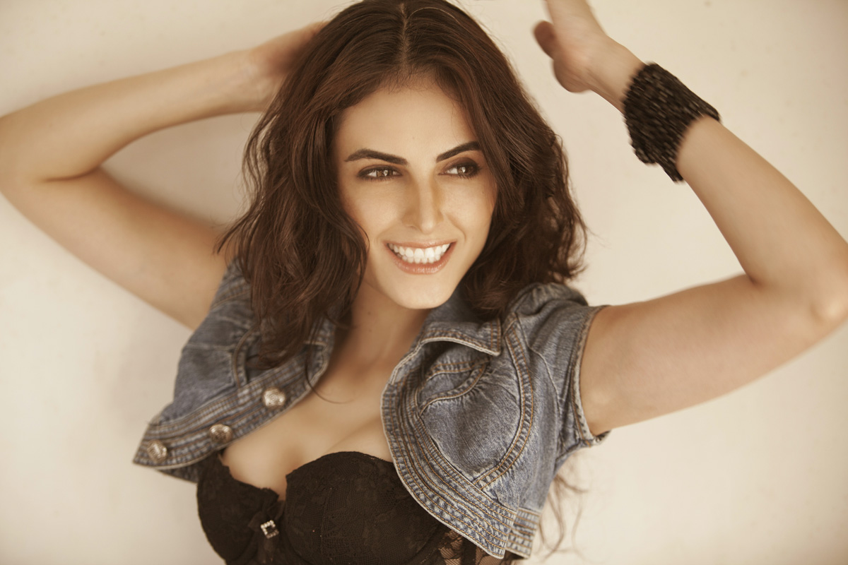 Mandana Karimi - Pic 10 (Image Courtesy - Dale Bhagwagar Media Group)