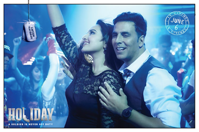 Akshay Kumar & Sonakshi Sinha - Holiday - A Soldier Is Never Off Duty