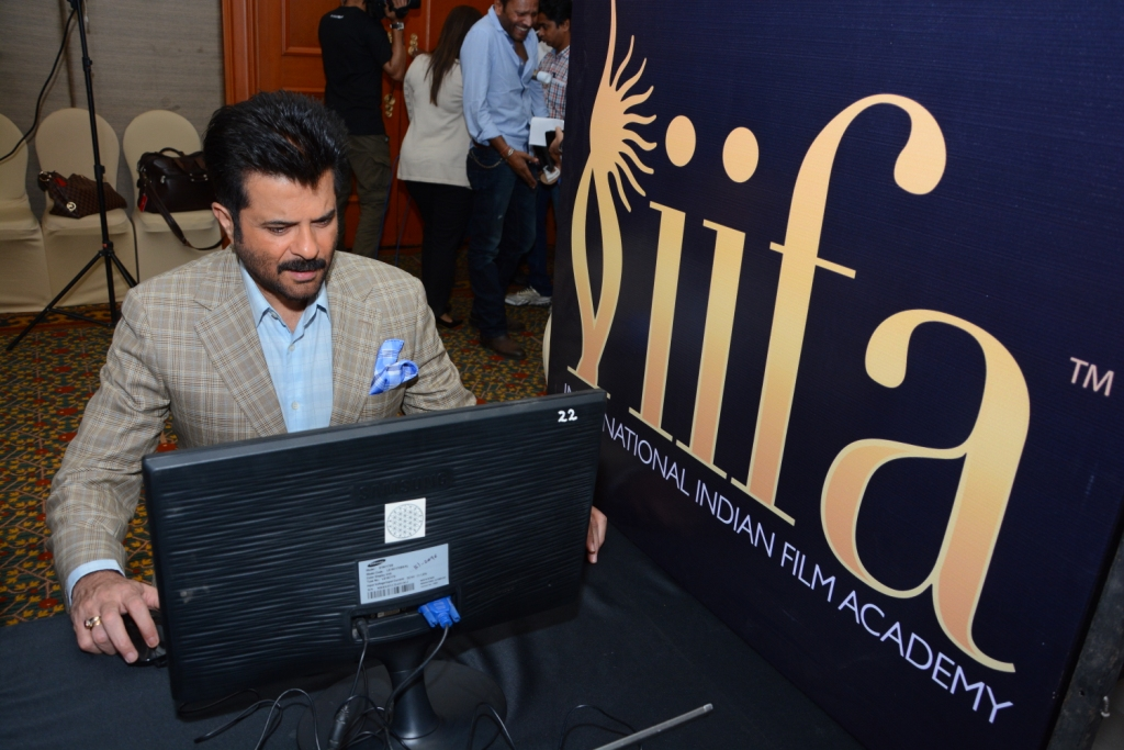 Anil Kapoor casting the first vote