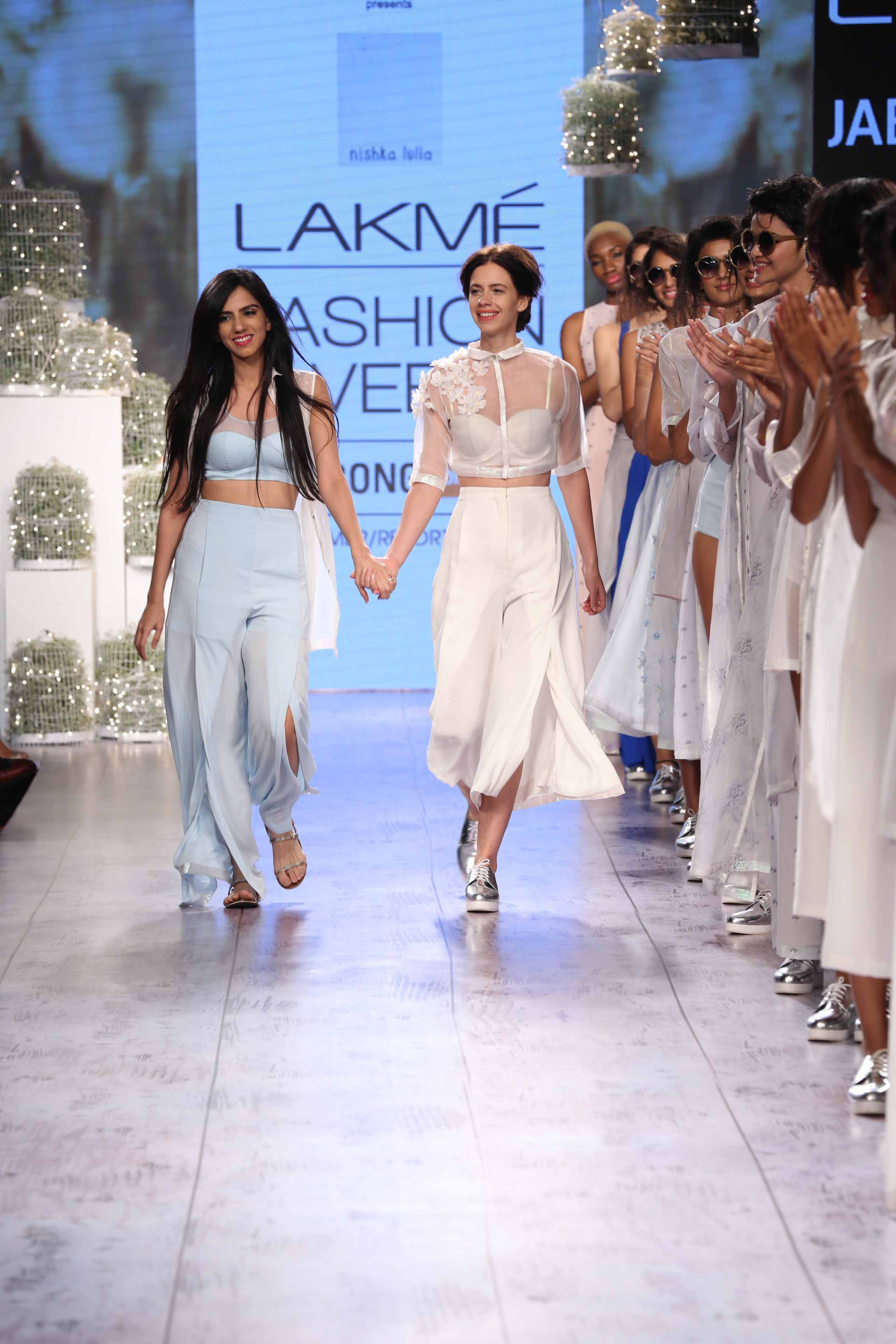 Nishka Lulla S Fuss Free Approach To Boho Chic Turns Heads At Lakme Fashion Week Urban Asian