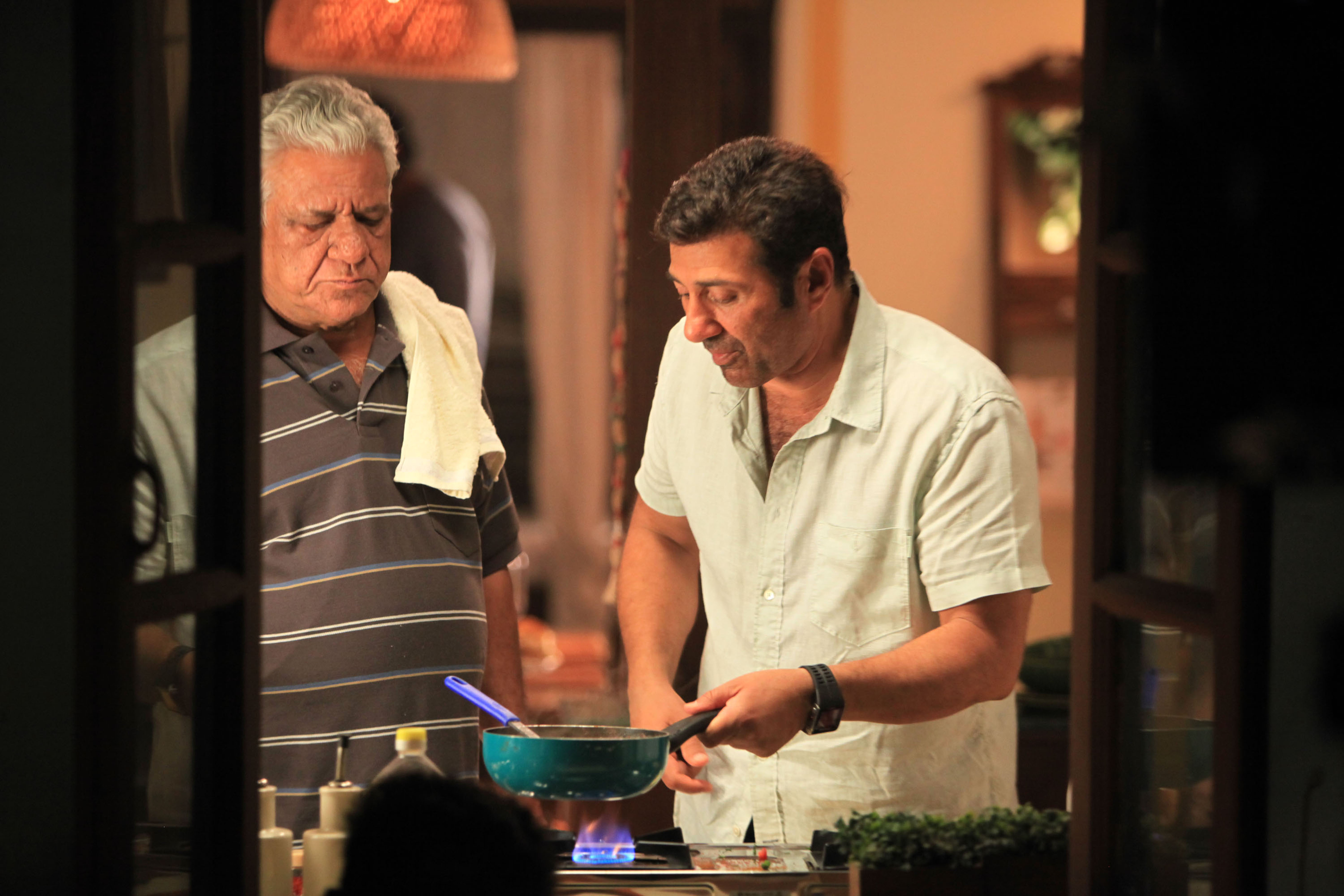 Om Puri and Sunny Deol in Ghayal Once Again