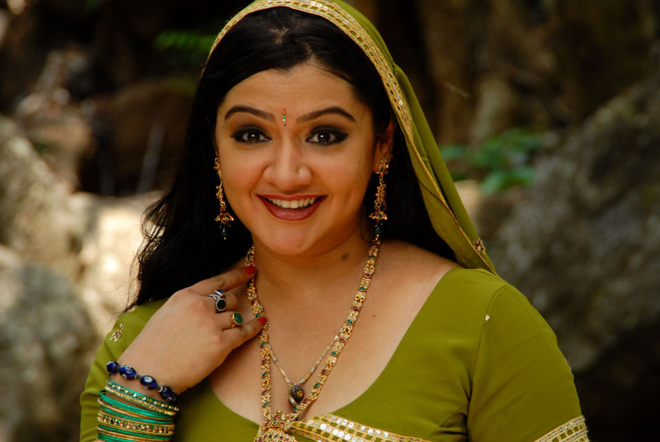 Actress Aarthi Agarwal Dies After Failed Liposuction Surgery