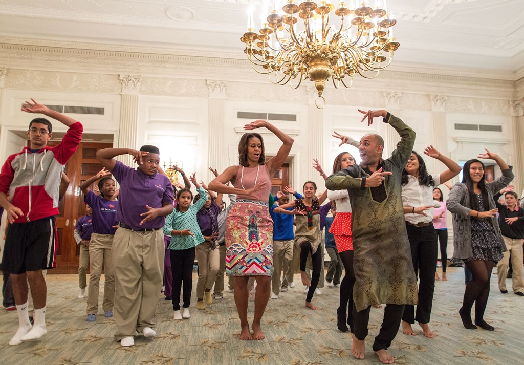 First Lady Michelle Obama joins student for a Bollywood Dance Clinic in the State Dining Room of the White House, Nov. 5, 2015. (Official White House Photo by Chuck Kennedy)