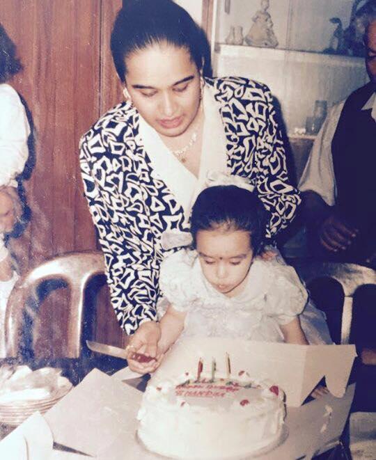 Shraddha Kapoor Mothers Day Image